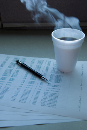 Banner Image Avanti Consulting Cofee with accounting entries
